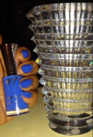 Boots gel nail varnishes
