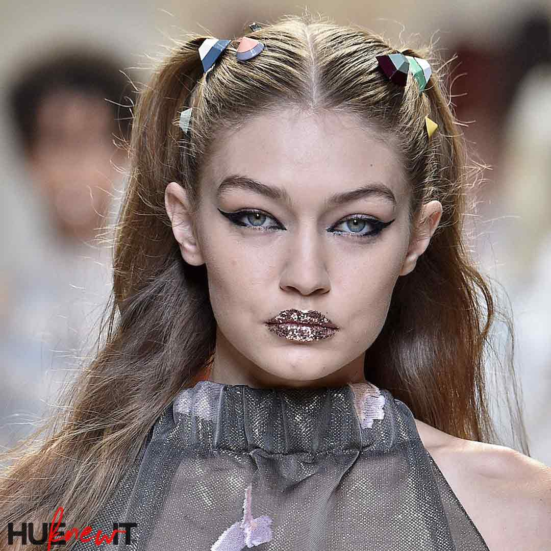 gigi-hadid-glitter-lips