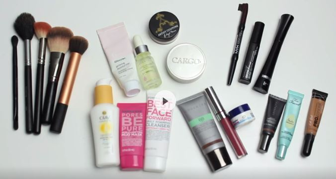 travel makeup: what to bring