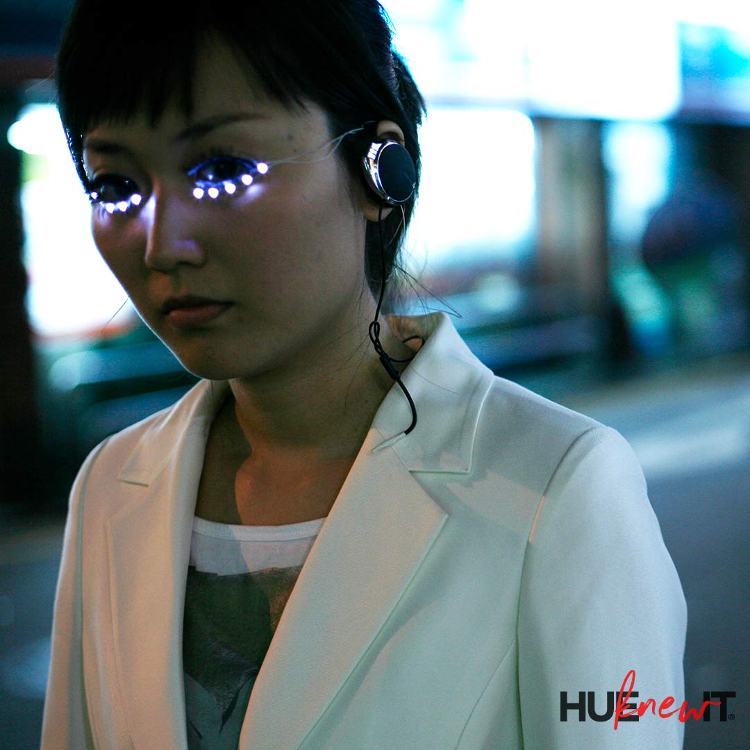 VIDEO: LED Eyelashes – Are You In Or Are You Out?
